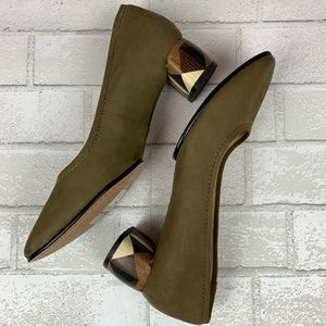 NEW Clarks Nubuck Leather Olivia Grace Heels 9.5